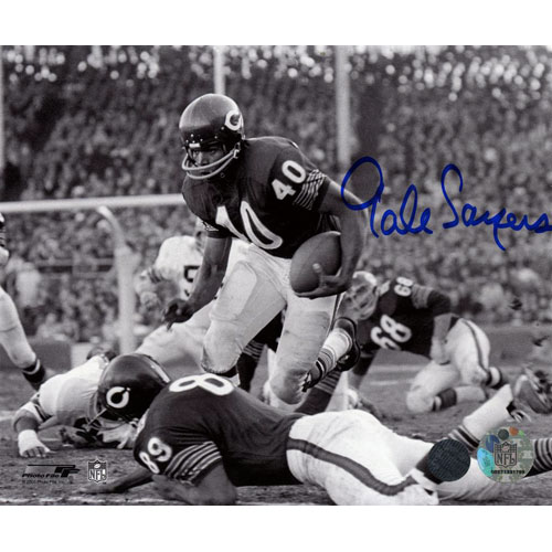 Gale Sayers Autographed Chicago Bears (BW) 8×10 Photo