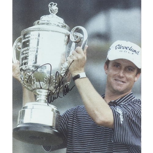 David Toms Autographed (PGA Championship Trophy) 8x10 Photo