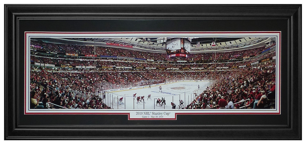 Chicago Blackhawks (2010 Stanley Cup Game 1) Deluxe Framed Panoramic Photo