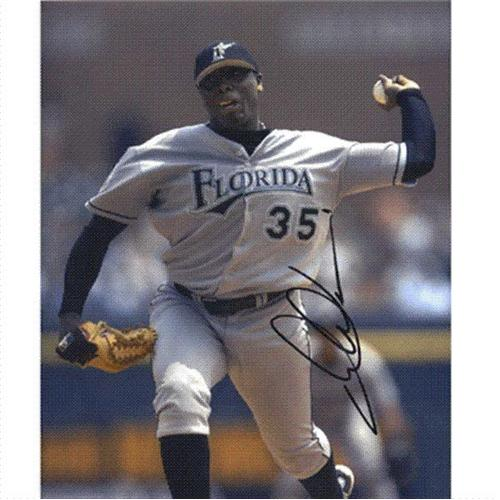Dontrelle Willis Autographed Florida Marlins (Grey Jersey) 8x10 Photo