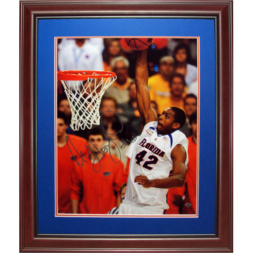 Al Horford Autographed Florida Gators (07 Final Four) Deluxe Framed 16x20 Photo