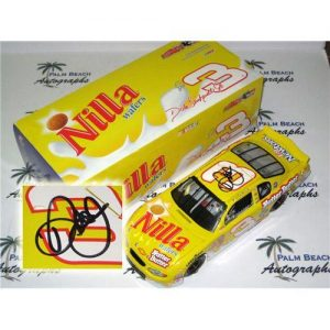 Dale Earnhardt Jr. Autographed Nilla Wafers #3 (Action) 1/18 Diecast Car