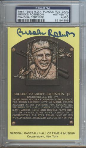 Brooks Robinson Autographed Baseball Hall of Fame (Baltimore Orioles) HOF Plaque Postcard - PSADNA Slab
