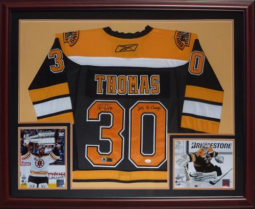 huge selection of d68b4 85f92 Tim Thomas Autographed Boston Bruins (Black #30) Deluxe Framed Jersey