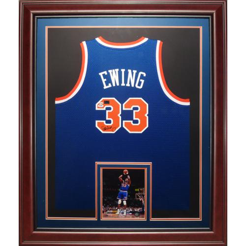 pretty nice 2c718 79500 Patrick Ewing Autographed New York Knicks (Blue #33) Deluxe Framed Jersey
