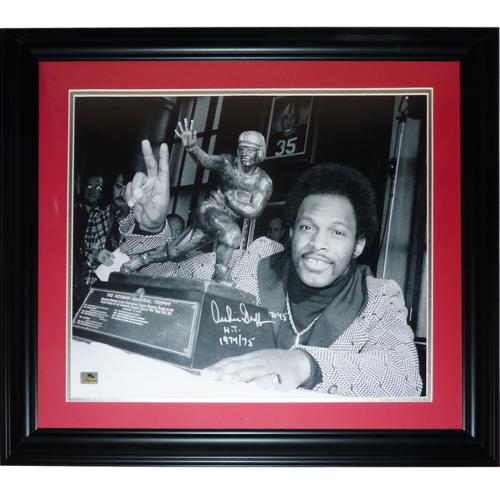 "Archie Griffin Autographed Ohio State Buckeyes (Heisman Trophy BW) Deluxe Framed 16x20 Photo w/ ""H.T. 1974/75"""