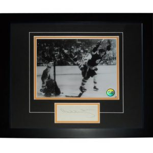 "Bobby Orr Autographed Boston Bruins (Flying Goal) ""Signature Series"" Frame"