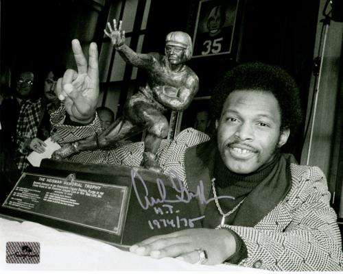 "Archie Griffin Autographed Ohio State Buckeyes (Heisman Trophy BW) 8x10 Photo w/ ""H.T. 1974/75"""