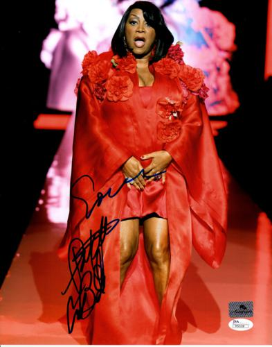 Patti LaBelle Autographed Music 11×14 Photo – JSA