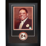 Willie Mays Autographed New York / San Francisco Giants (Vintage) 8×10 Photo Deluxe Framed with patch – JSA