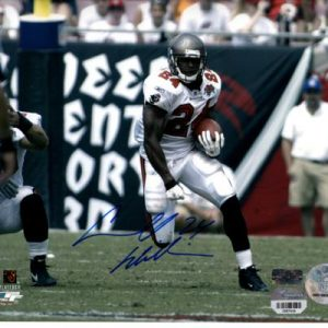 Carnell Williams Autographed Tampa Bay Buccaneers (White Jersey) 8x10 Photo