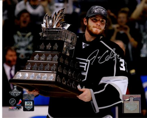 Jonathan Quick Autographed Los Angeles Kings (Conn Smythe Trophy) 8x10 Photo - Quick Holo