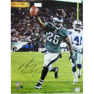LeSean McCoy Autographed Philadelphia Eagles (TD vs Cowboys) 16x20 Photo