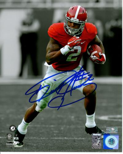 Derrick Henry Autographed Alabama Crimson Tide (Spotlight) 8x10 Photo - Henry Holo