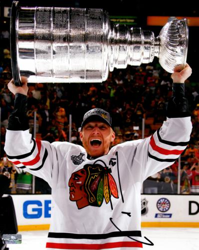 Marian Hossa Autographed Chicago Blackhawks (Stanley Cup) 8x10 Photo