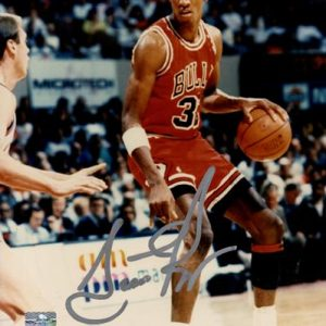 Scottie Pippen Autographed Chicago Bulls 8x10 Photo - JSA