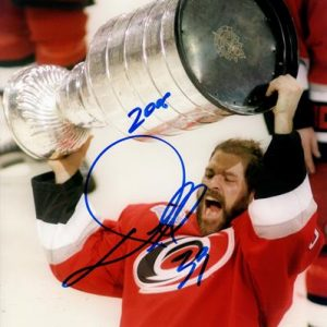 "Doug Weight Autographed Carolina Hurricanes (Stanley Cup Trophy) 8x10 Photo w/ ""2006"""