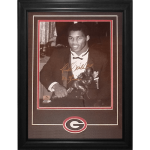 "Herschel Walker Autographed Georgia Bulldogs (Heisman Trophy BW) Deluxe Framed 11×14 Photo w/ ""82 Heisman"""